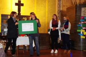 2015-Spendenuebergabe-Kindertafel-Osnabrueck2